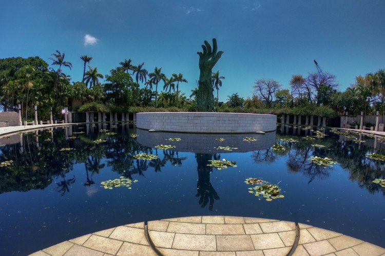 Holocaust Memorial in Miami with statue of hand outstretched toward sky
