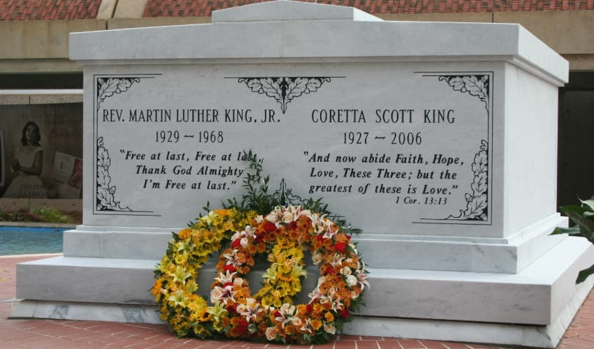 the crypt containing Martin Luther King Jr. and Coretta King in Atlanta, Georgia