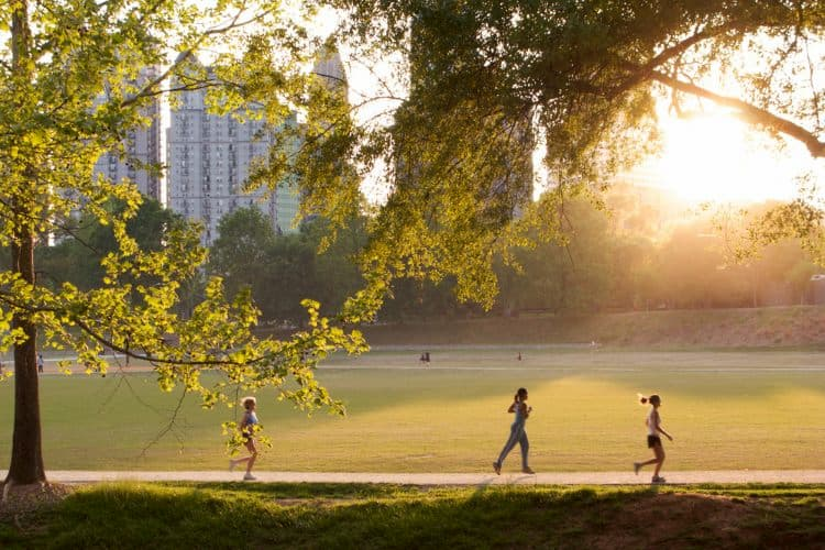 People jogging in Piedmont Park