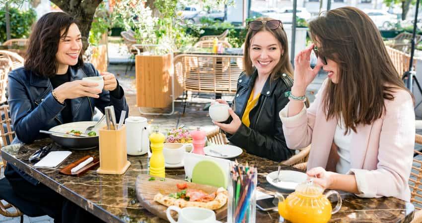 A group of friends having brunch